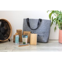 The bag is completely filled with beautifull sustainable items